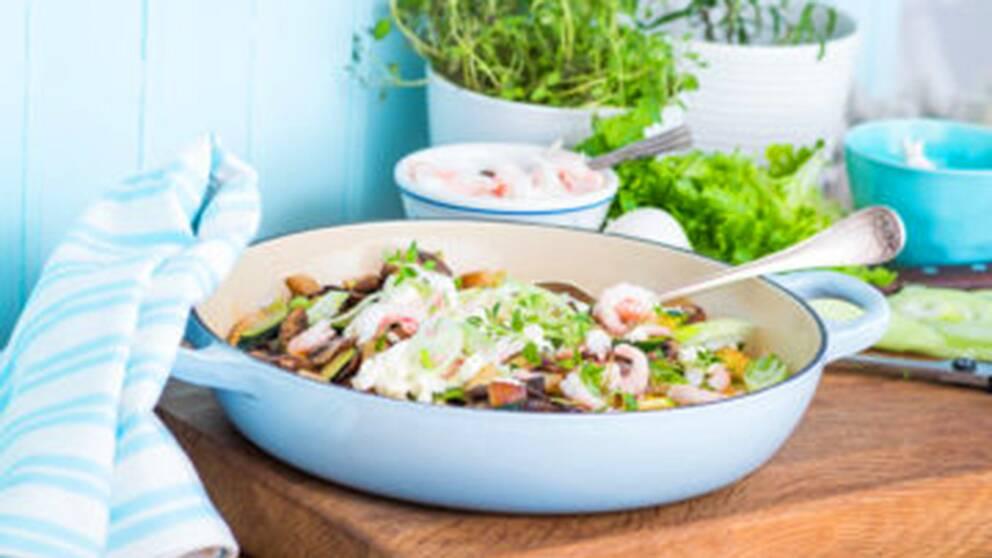 Underbar ugnsomelett med potatis och knaprig chorizo.