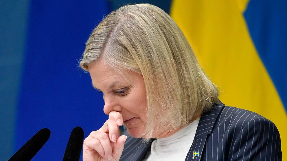 Finansminister Magdalena Andersson tvingas gång på gång omvärdera stödbehovet