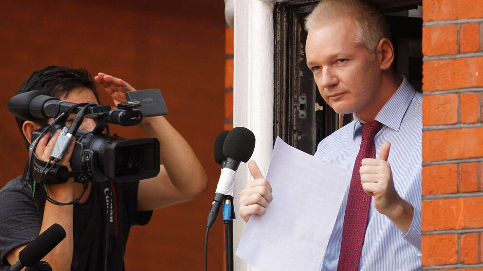 Wikileaksgrundaren Julian Assange på Ecuadors ambassad i London. Foto: Scanpix