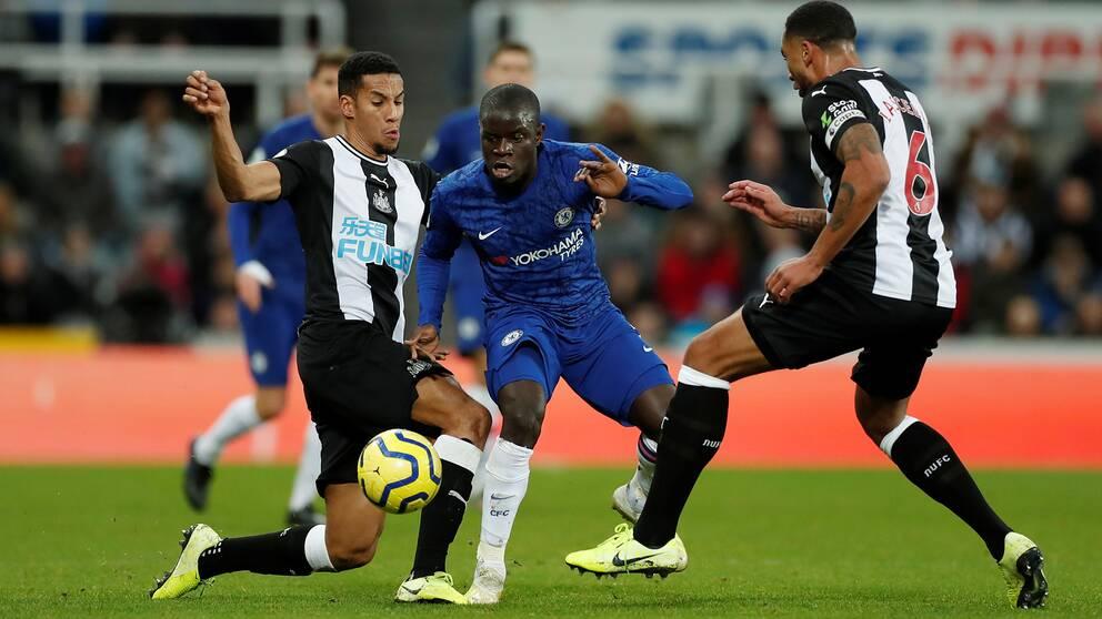 Chelseas N'Golo Kanté (mitten) i en match mot Newcastle.
