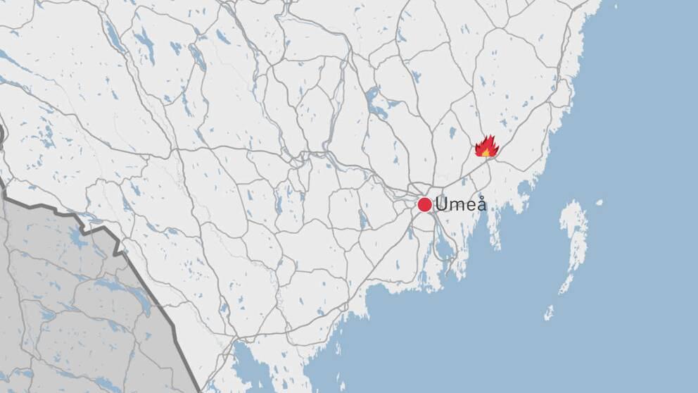 En karta över delar av Västerbotten där Umeå samt en symbol för en eld finns utplacerade på kartan.