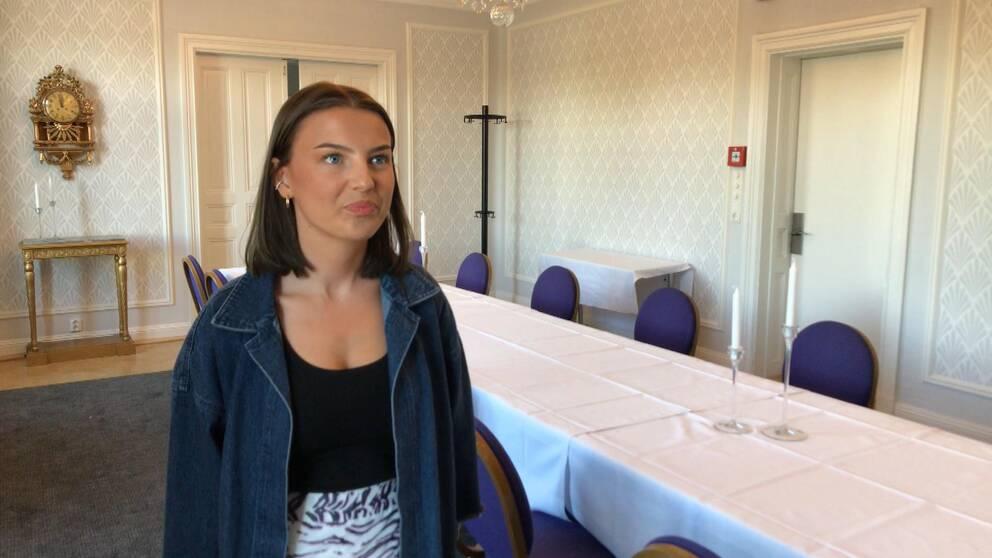 Avgångseleven Maja Thorsvret berättar vad hon känner inför fredagens klassbal på Stadshotellet.