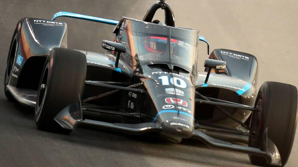 Felix Rosenqvist var länge med och slogs om segern i Indycar-loppet på Texas Motor Speedway.
