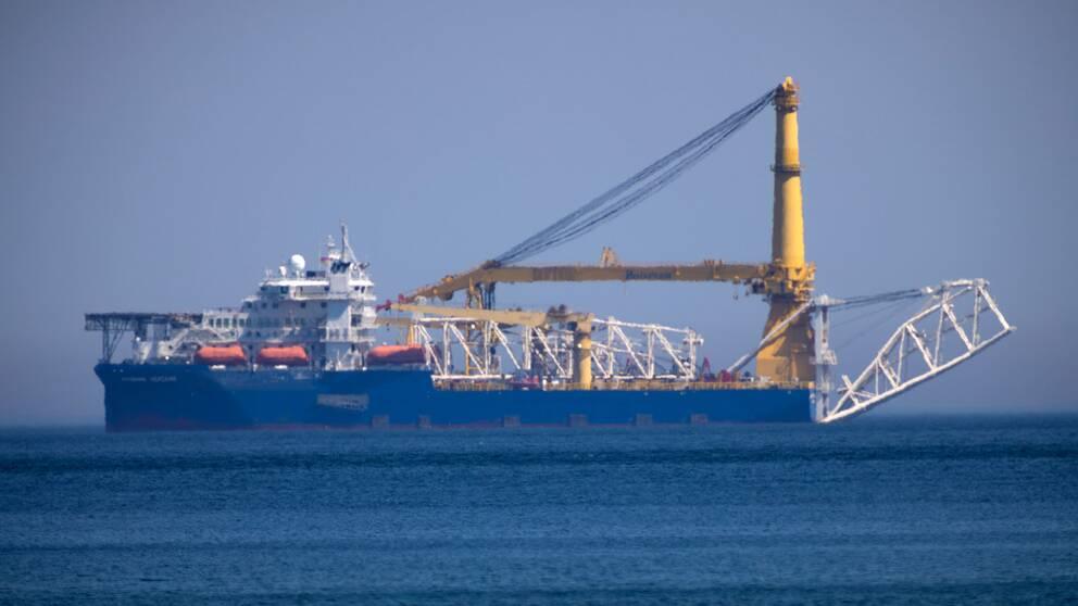 Det ryska rörläggningsfartyget Akademik Cherskiy vid Rügen i norra Tyskland den 10 maj 2020.