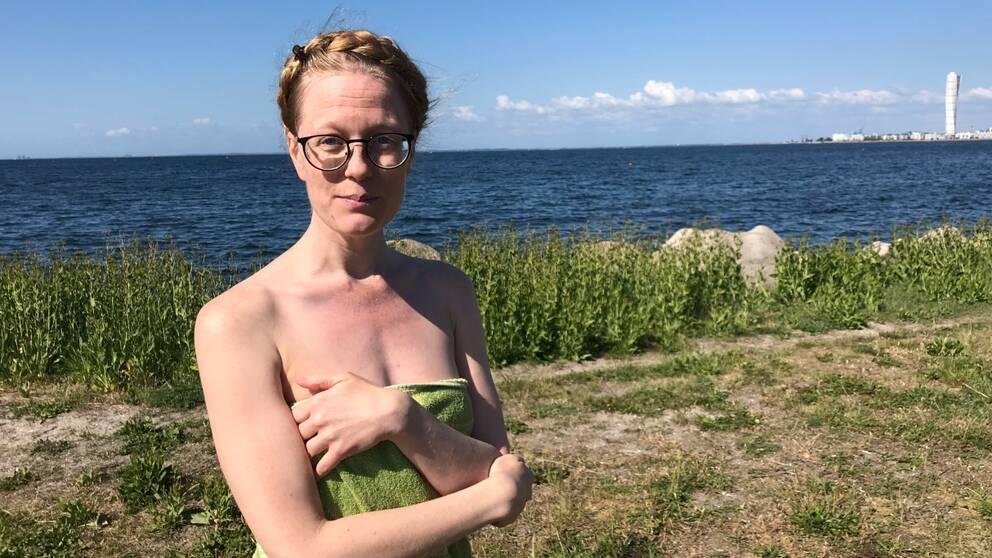 Besökare på nakenbad i Malmö.