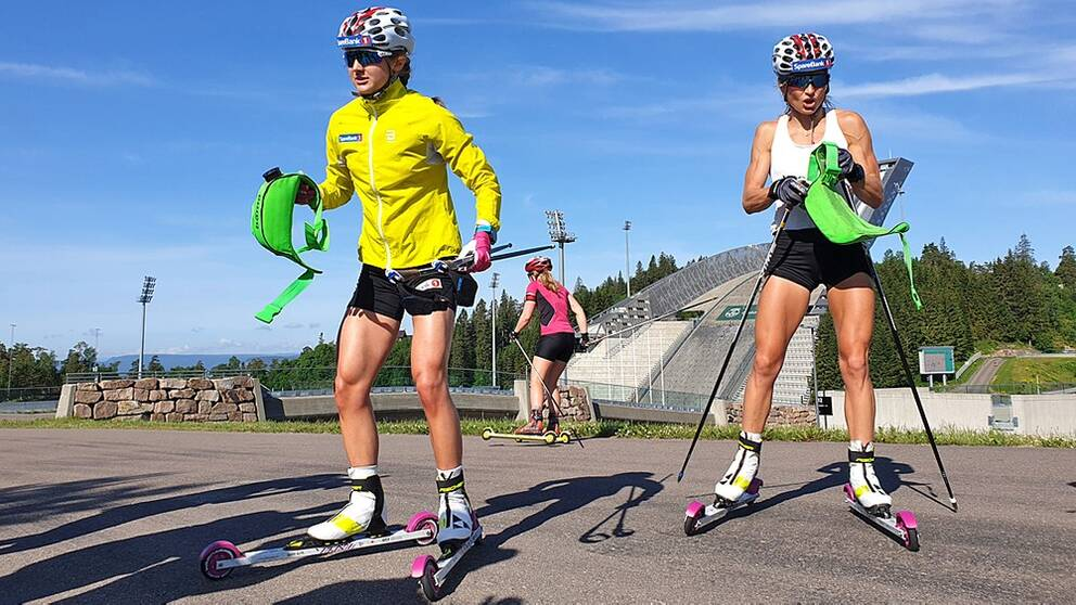 Ingvild Flugstad Östberg tillbaka med landslagskollegan Therese Johaug i Holmenkollen.