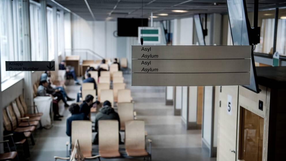 Väntsal för asylsökande.