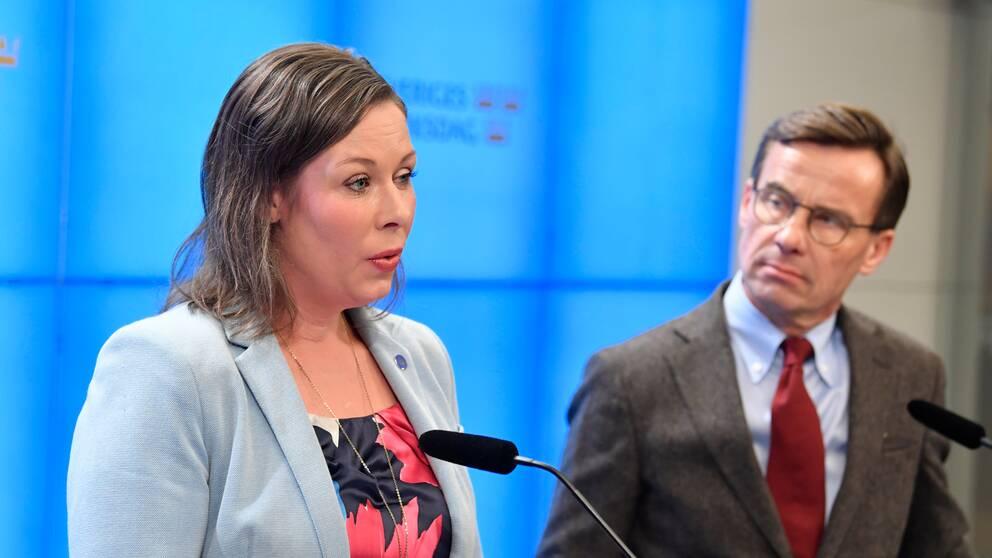 Moderaternas migrationspolitiska talesperson Maria Malmer Stenergard och partiledare Ulf Kristersson under en pressträff om integrationspolitiken tidigare under mandatperioden.