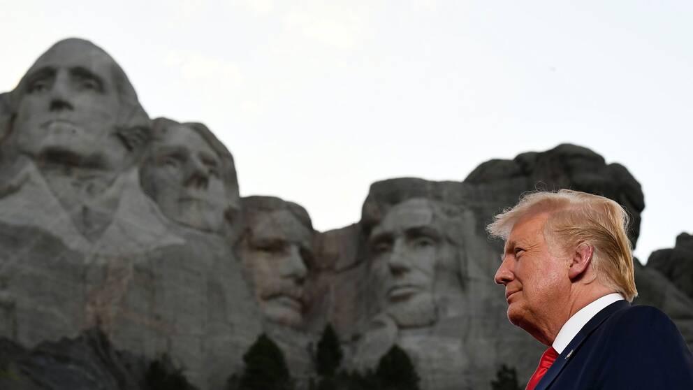 USA:s president vid Mount Rushmore nationalmonument i Keystone, Syd-Dakota den 3 juli 2020.