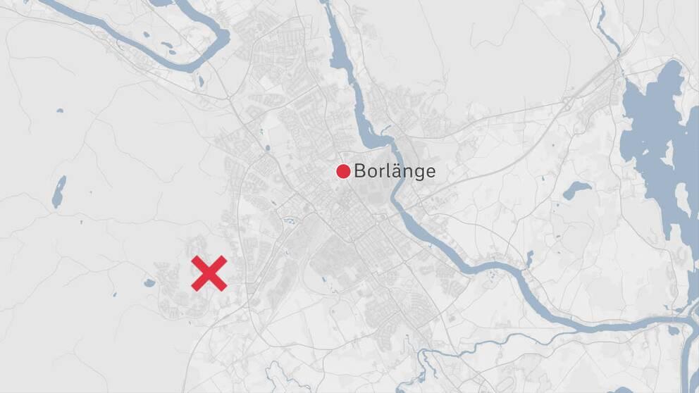 En karta över Borlänge där olyckplatsen är markerad med ett rött kryss.