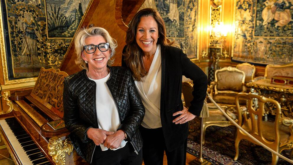 """Antikexperten Karin Laserow och programledaren René Nyberg i TV4:s nya underhållningsprogram """"Bytt är Bytt""""."""