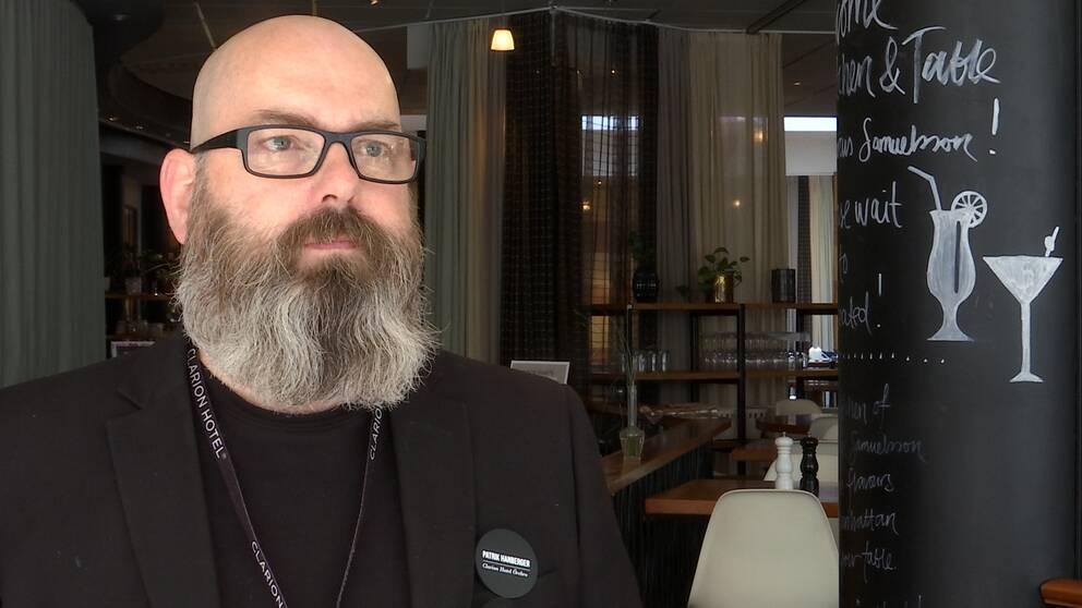 Hör Patrik Hanberger, hotelldirektör på ett av hotellen i Örebro, om läget just nu.