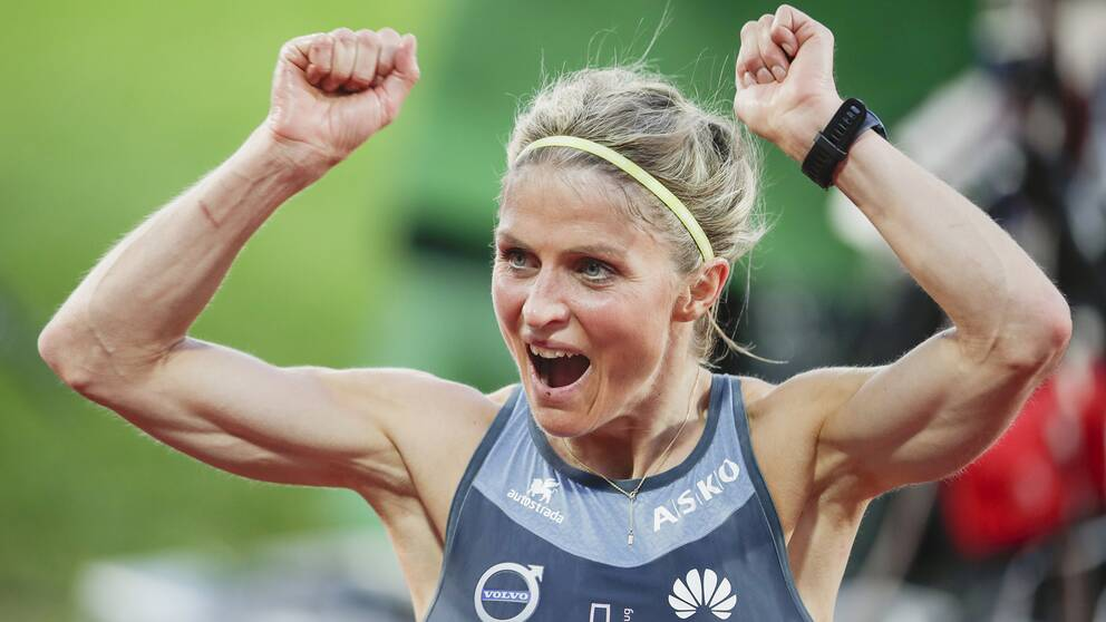 Therese Johaug jublar under Impossible Games 2020.