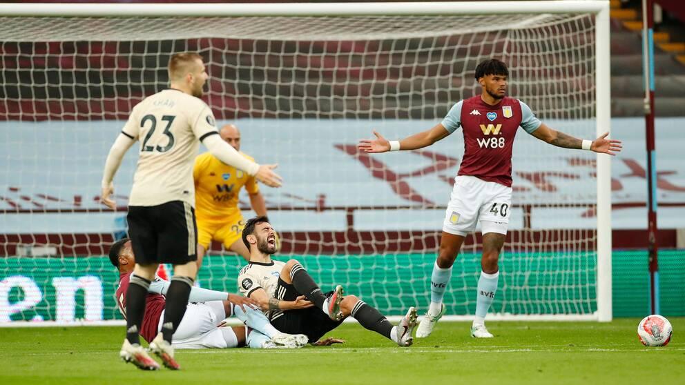 Manchester United fick en hjälpande hand mot Aston Villa.