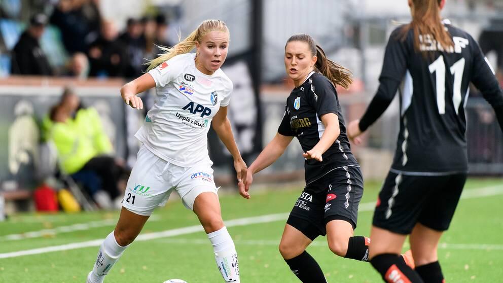 Växjös Stina Lennartsson i vit tröja.
