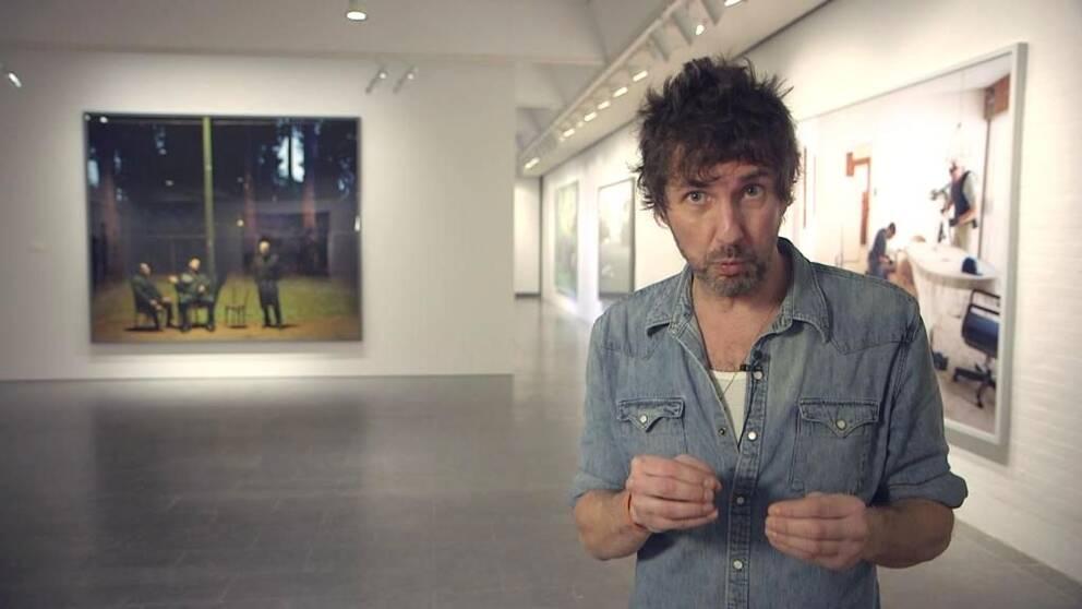 Dennis Dahlqvist guidar i konstvärlden.