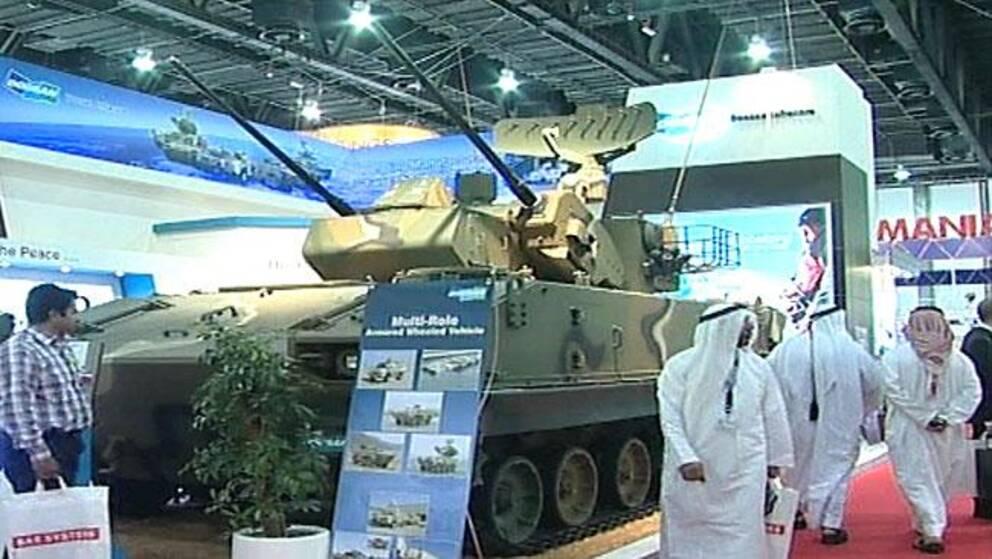 Saudier på vapenmässa