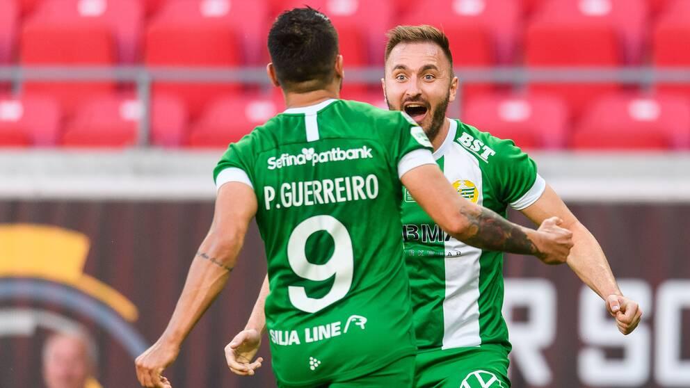 Hammarbys Paulinho jublar med Muamer Tankovic efter 1-1 mot Kalmar.