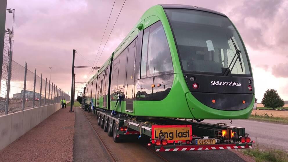 Den första spårvagnen som ska sättas i trafik i Lund.