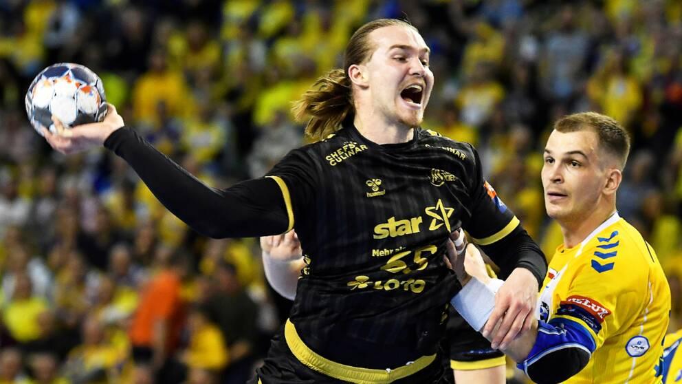 Lukas Nilsson i Kiel-tröjan