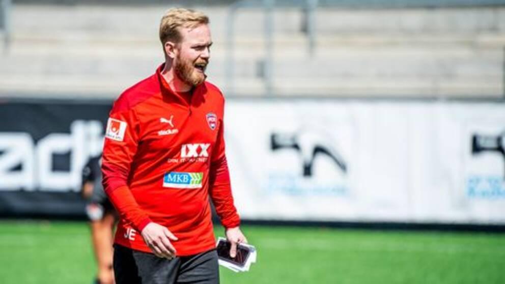 Rosengårds tränare Jonas Eidevall under träning med klubben