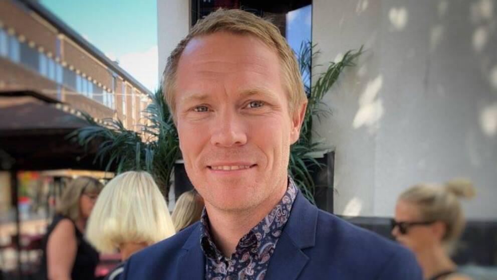 Marcus Holmqvist, säkerhetschef Växjö kommun i en blå kavaj