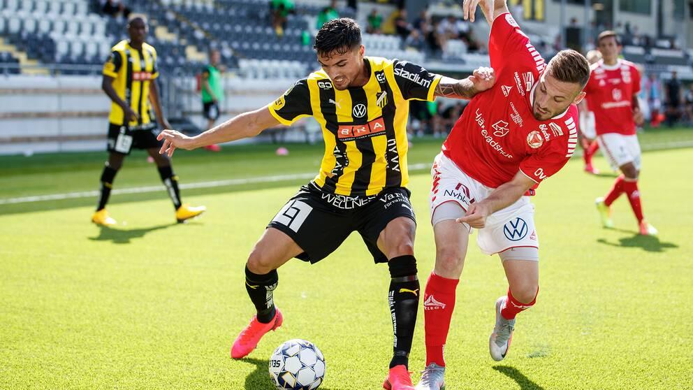 Häckens Ahmed Yasin och Kalmars Fidan Aliti.