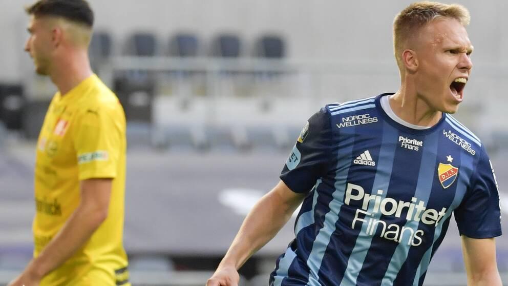 Djurgårdens Jonathan Augustinsson jublar efter 2-1 under onsdagens allsvenska fotbollsmatch mellan Djurgårdens IF och Mjällby AIF på Tele2 Arena i Stockholm.