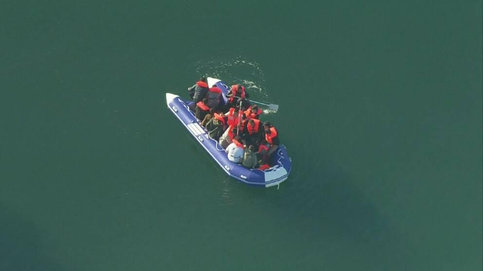 Farleden i Engelska kanalen är en av världens mest trafikerade rutter och livsfarlig att vistas i ranka gummibåtar.