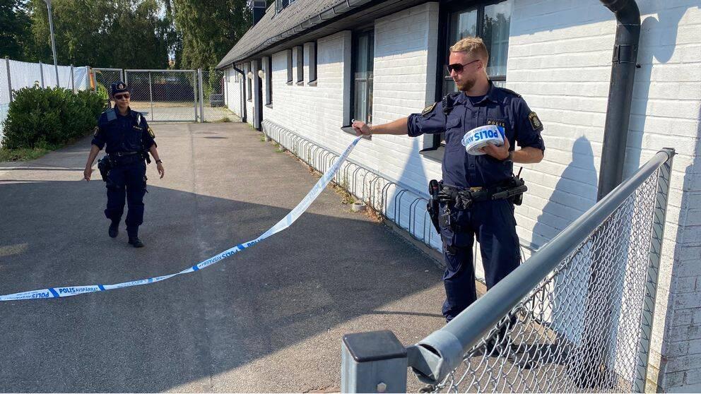 Polisen har spärrat av området runt badet där drunkningstillbudet inträffade tidigare på tisdagen.