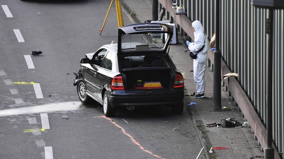Polis arbetar på motorväg i Berlin