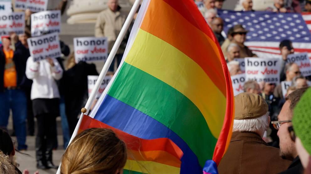 """Enligt McLaughlin är det bättre att homosexuella avrättas än """"att vi alla dödas av Guds vrede""""."""