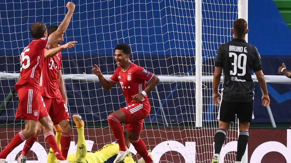 Serge Gnabry gjorde två mål för Bayern München i Champions League-semifinalen mot Lyon.