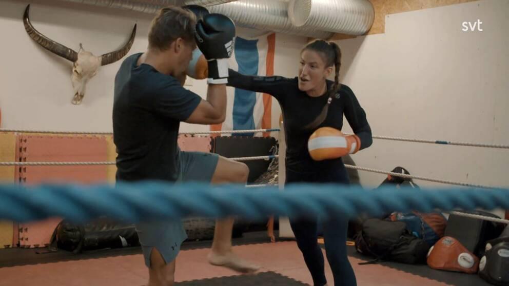 UFC-fajtern Bea Malecki under ett träningspass i Stockholm.