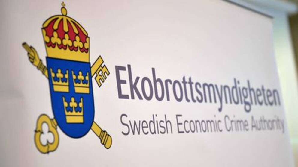 "En skylt med texten ""Ekobrottsmyndigheten. Swedish Economic Crime Authority"""