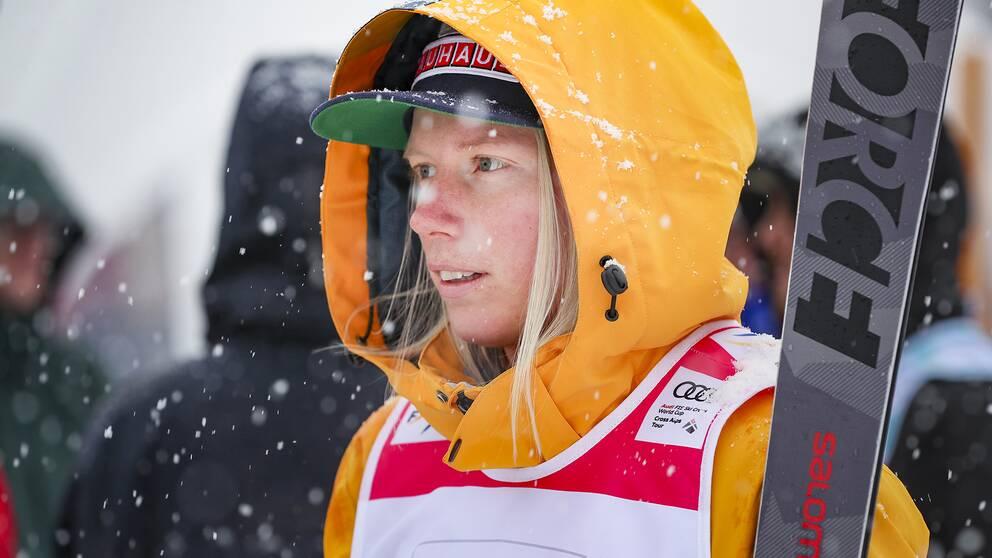 Sandra Näslund är på läger i Schweiz.
