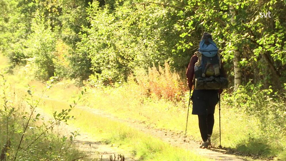 När utlandsresan blev inställd bestämde sig Daniel Kowalski för att vandra genom Sverige istället. En resa som ska ta honom från Sveriges nordligaste kommun till den sydligaste. SVT Värmland träffar honom i Stömne, Arvika.