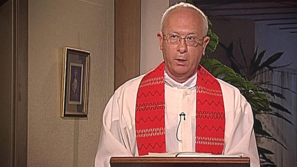 Den katolska prästen Ingvar Fogelqvist har tidigare lett gudstjänst i SVT.