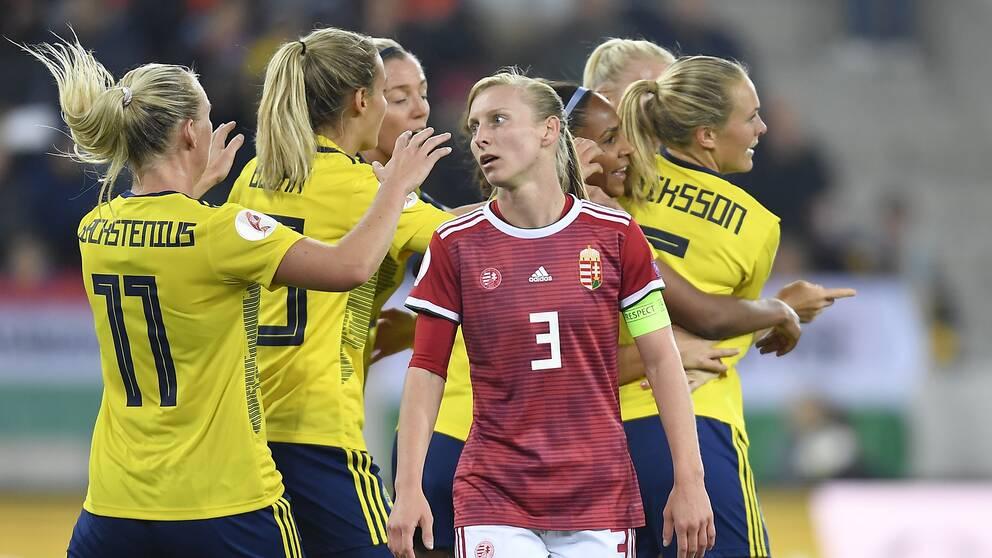 Det ungerska landslaget är drabbat av corona inför matchen mot Sverige. Här en bild från ett möte i oktober förra året.