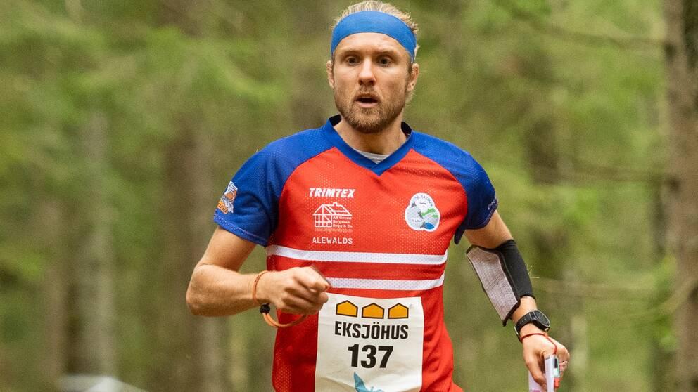 Gustav Bergman, OK Ravinen, under långdistans SM i orientering den 20 september 2020 i Kungälv.
