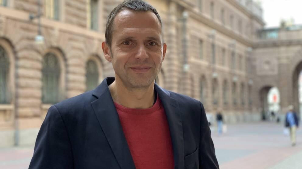 Jens Holm (V), riksdagsledamot