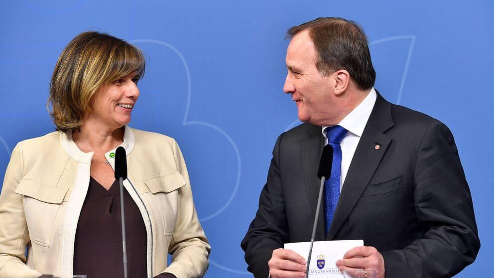 Stefan Löfven (S) och Isabell Lövin (MP)