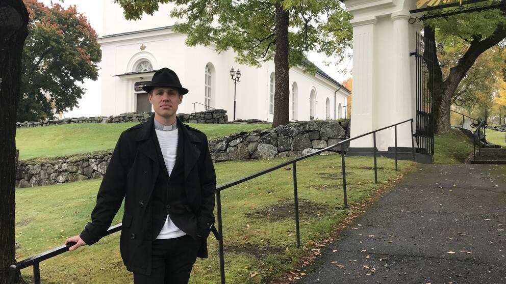 Andreas Sundström, kyrkoherde i Sköns församling
