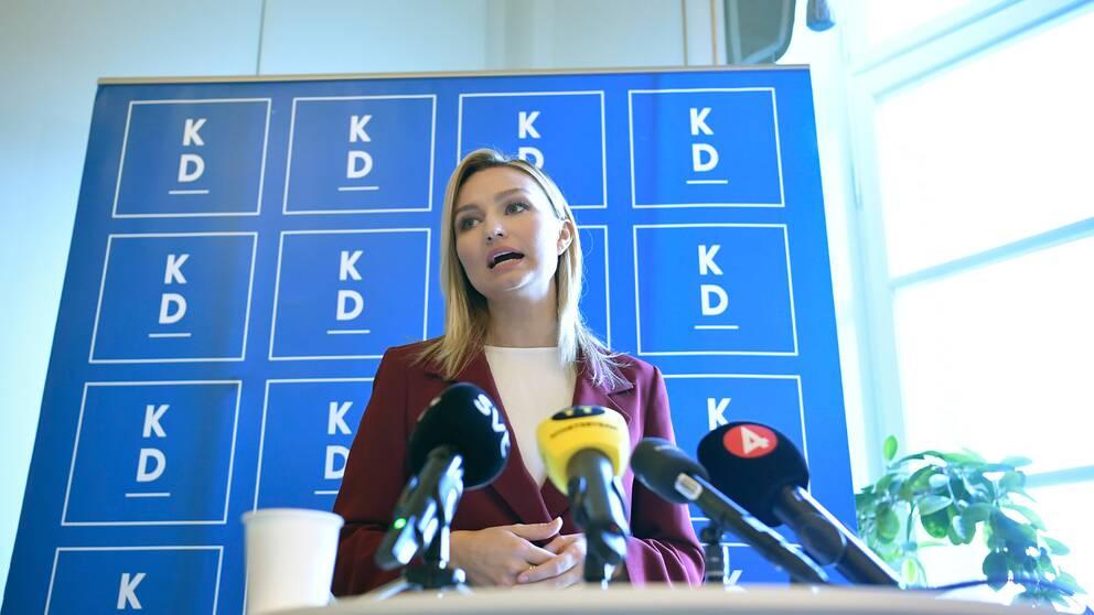 Ebba Busch på fredagens pressträff.