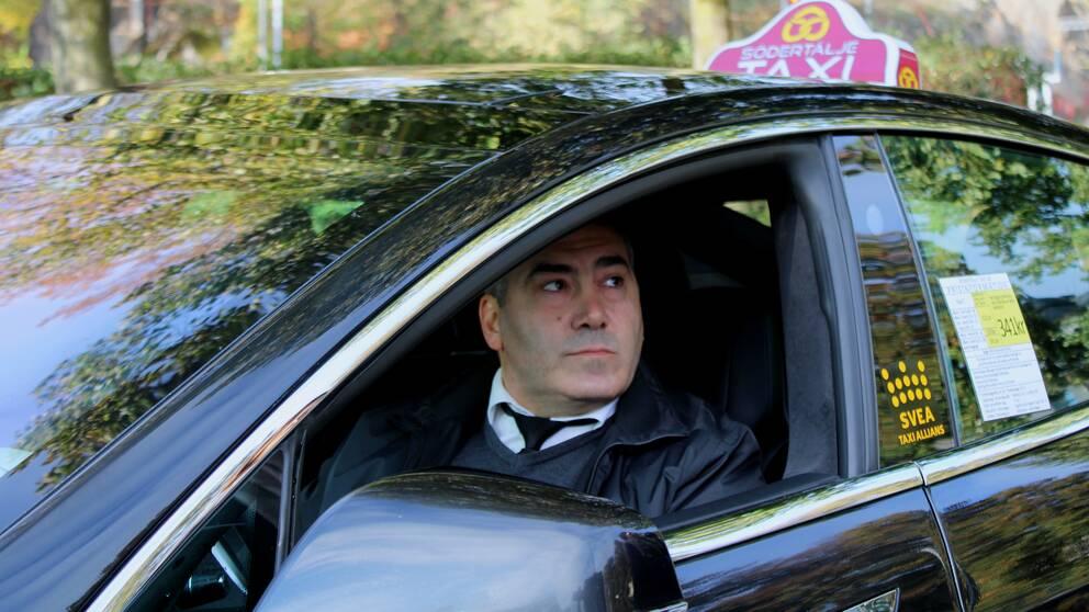 Entanios Yachou, taxiägare
