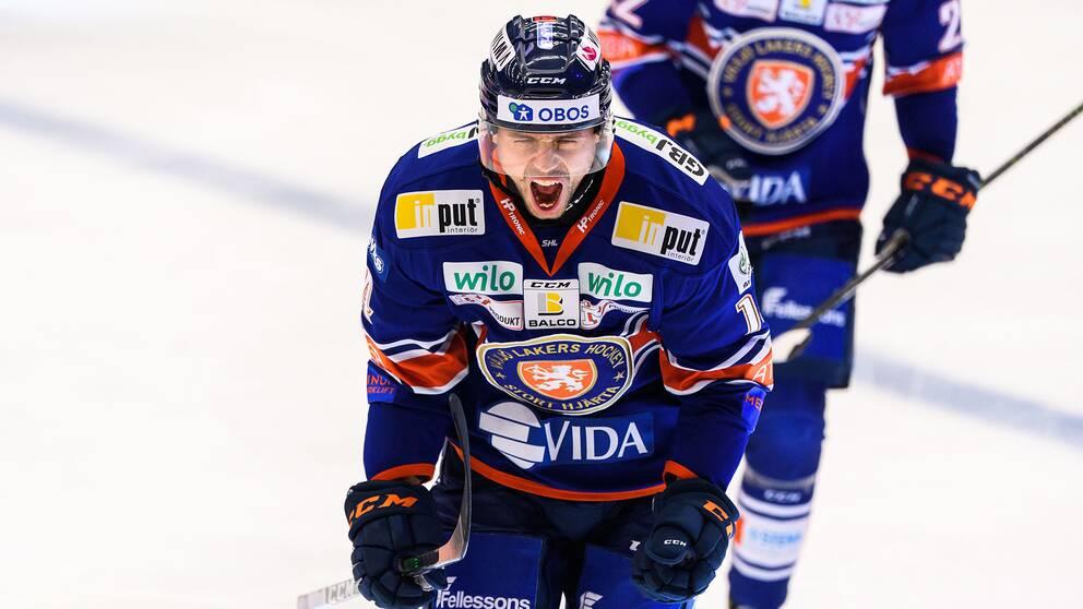 Emil Pettersson satte två snabba mål för Växjö.