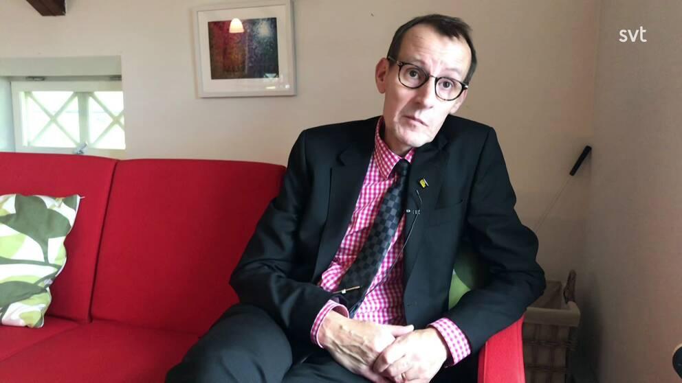 Hans Lindroos är direktor för Eskilstuna Stadsmission och han vittnar om hur alltfler utsatta använder matsvinnsservicen som stadsmissionen erbjuder.