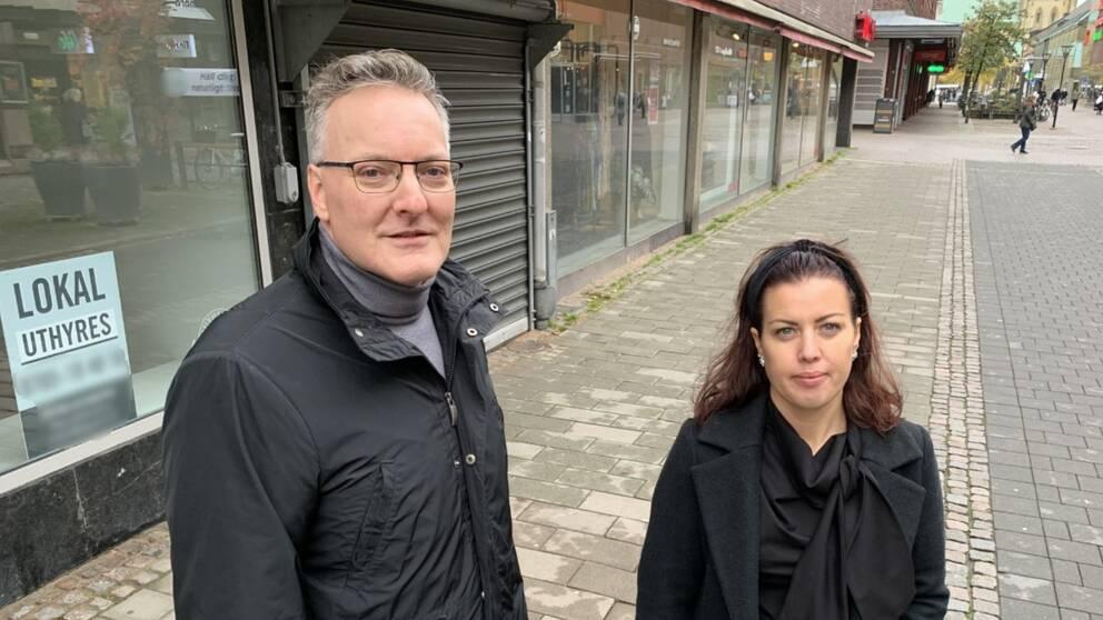 Per Arbin är näringspolitiskt ansvarig på Fastighetsägarna Halmstad och Caroline Bengtsson är cityledare på Halmstad City.