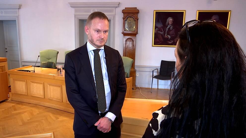 – I grund och botten kan den här domen ses som ett resultat av att det är värre att döma en oskyldig än att frikänna en skyldig, säger rättens ordförande, hovrättsrådet Martin Andersson.