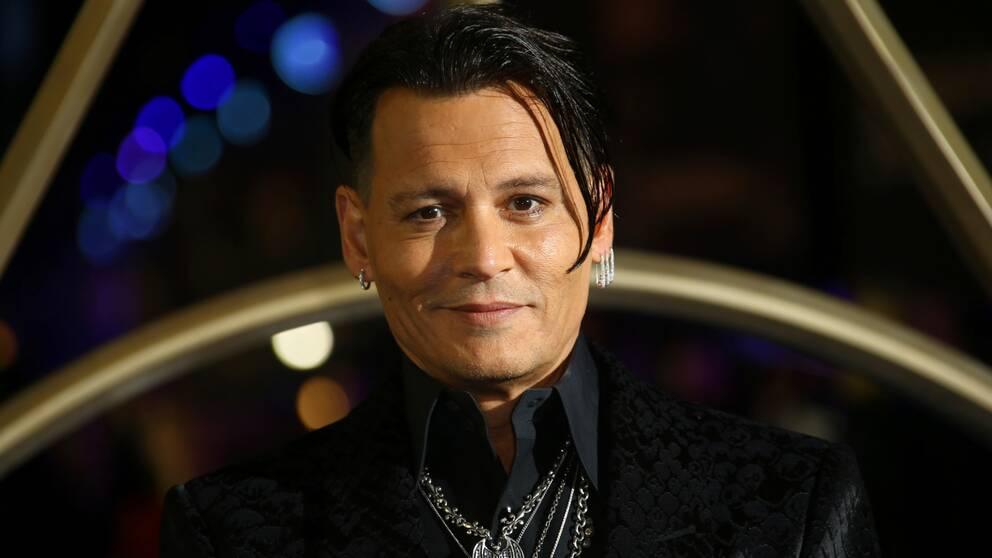 Skådespelaren Johnny Depp på premiären av den andra Fantastiska vidunder-filmen.